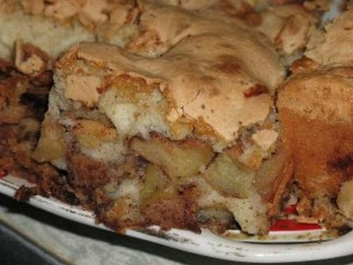 Шарлотка с яблоками и ежевикой рецепт пошагово