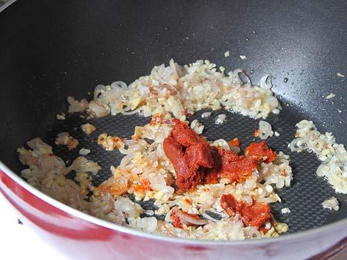 Красное карри с баклажанами и сладким перцем