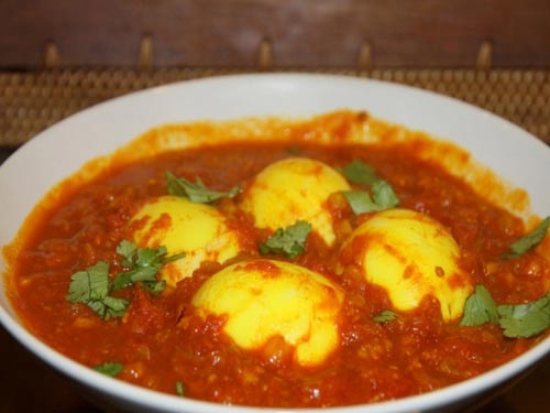 Яйца в томатном соусе с кари – оригинальный рецепт для пасхального стола рекомендации